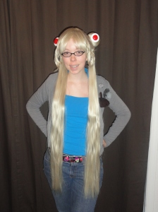 (The wig was on slightly sideways, so you can't see the other bun! D:)